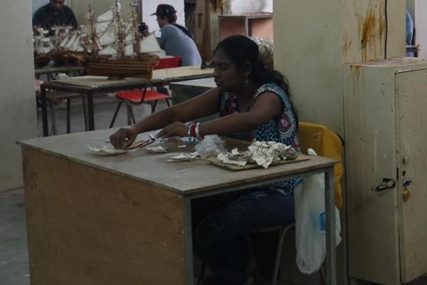 Fábrica de marquetas de barcos en Curepipe
