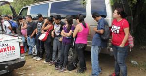 Rescatan-inmigrantes-abandonados-1703037