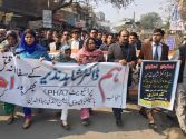 Mandi Bahauddin city comes on road to condemn the murder of Dr Shahid