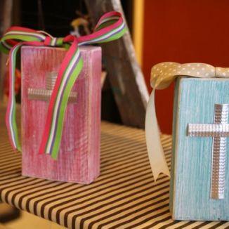 cross wooden blocks