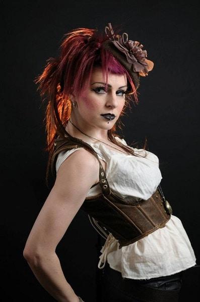 corset-steampunk-cuir-marron-vieillit