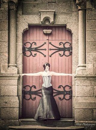 robes de mariées sur mesures glamour corset a pois jupe sirene soie noire