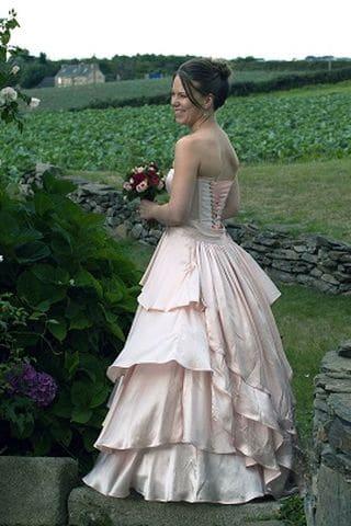 Création de Robes de mariées à Brest soie rose poudre