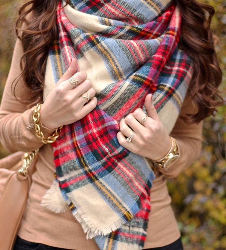 Ready for fall with my favorite plaid scarf! Get ithellip