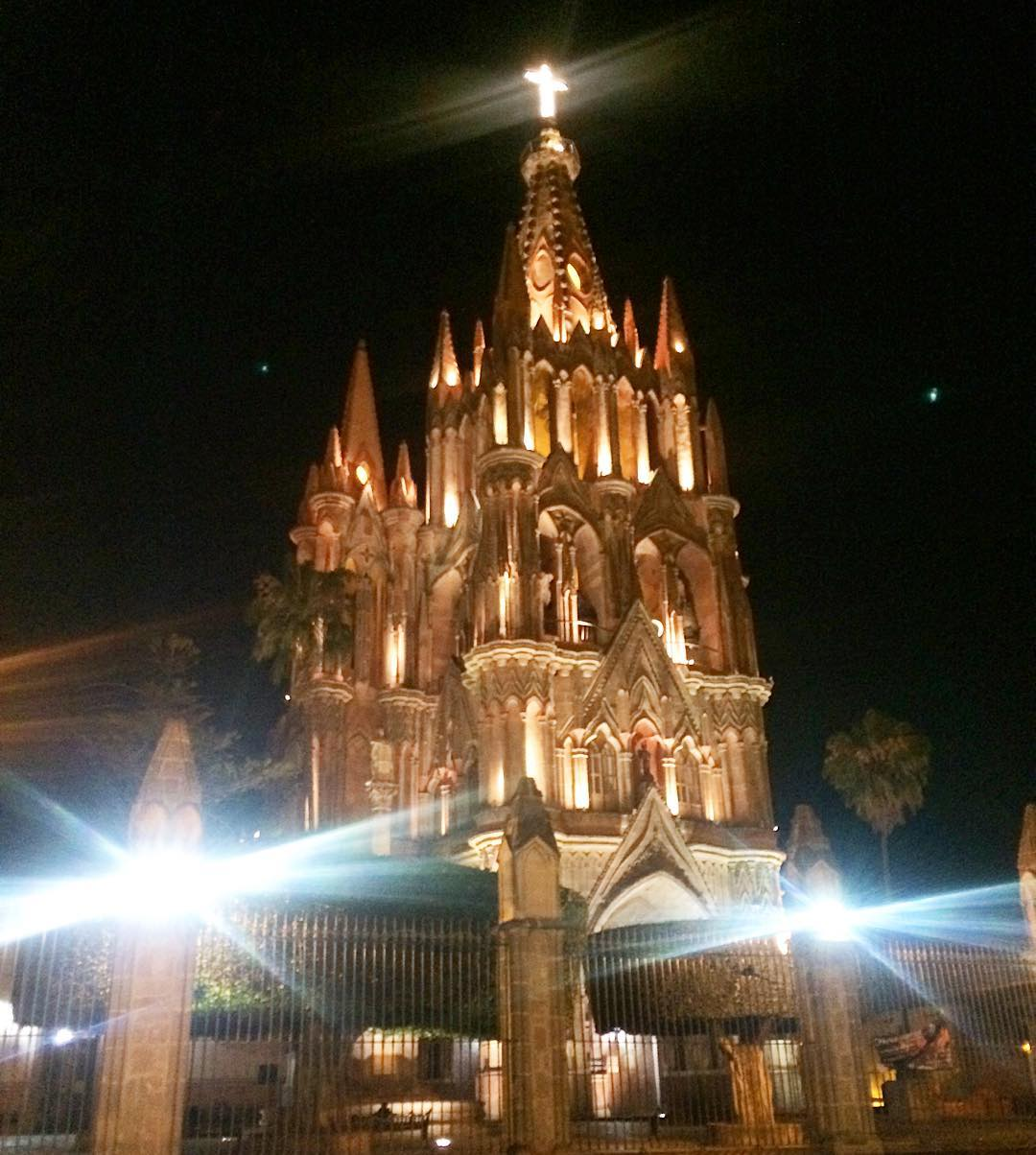 Goodnight from Mexico  Buenas noches desde sanmigueldeallende laMariposaMexico laMPtravelshellip
