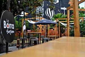 Borra Beer Garden, verde y cervecero recinto