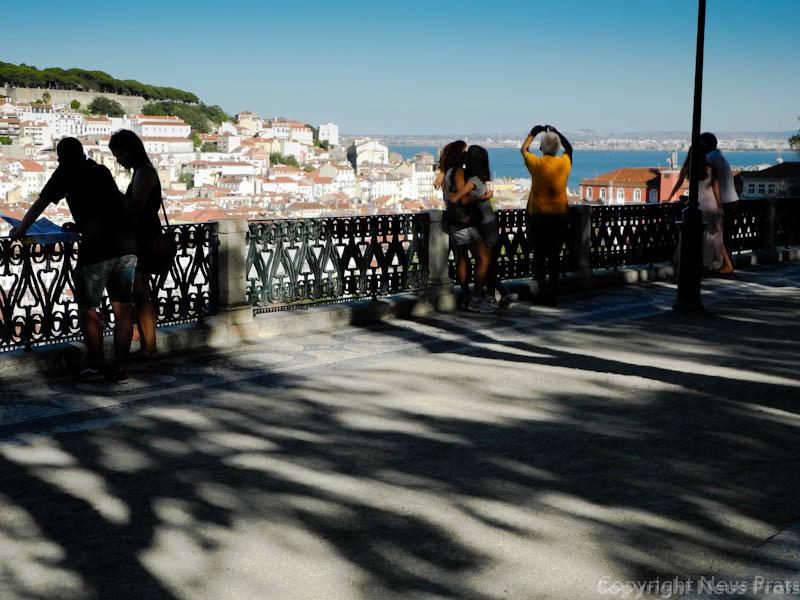 Lisboa tranv as miradouros y a licorista o bacalhoeiro for Jardin a sintra hermes