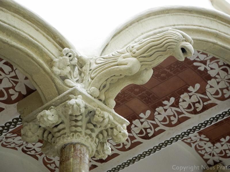 Detalle escultórico de la escalera noble