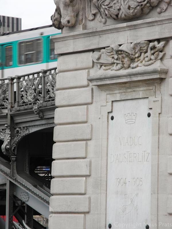Detalle del Hermes del viaducto