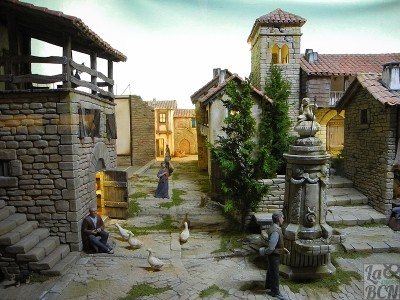 Koldo Balda i Goldarazena amb figures de Montserrat Ribes.