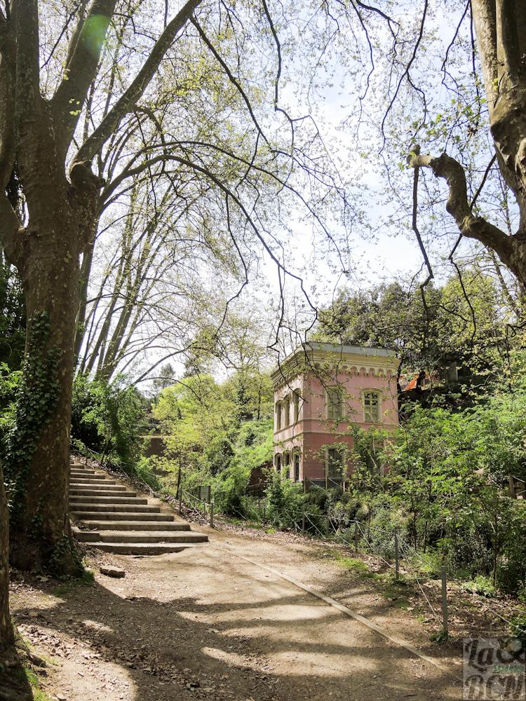 Casa del guarda del pantano, obra del arquitecto Elies Rogent