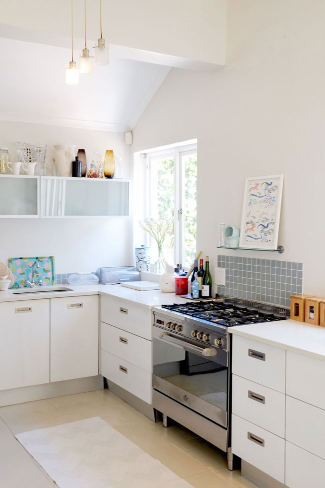 Colouful arty house tour