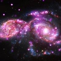 Pertunjukan Cahaya Dua Galaksi Memeriahkan Langit Malam Jelang Perayaan Natal