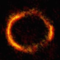 Bagaimana Galaksi Ini Tampak Seperti Cincin?