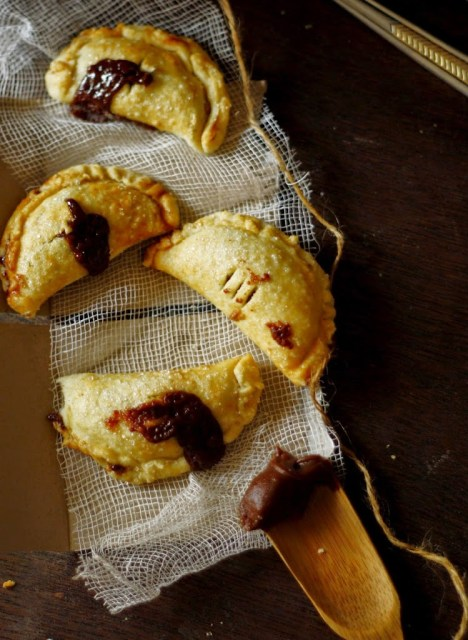 Perfect Nutella/ chocolate pies..Ramsay's flaky buttery crust with a generous amount of Nutella in it.Instant hit and best for summer or even cinco de mayo celebrations.