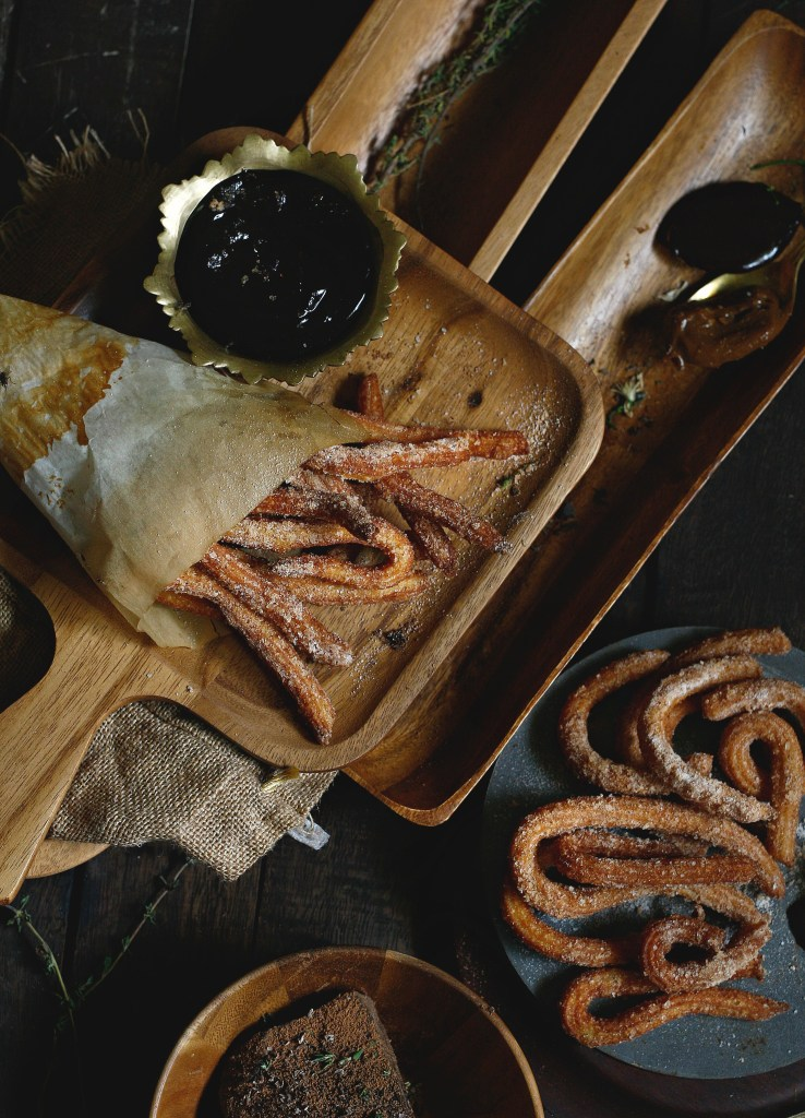 quick and easy churros with chocolate sauce