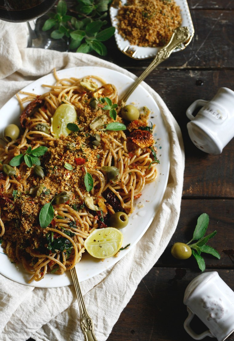Spaghetti with sundried tomatoes and herbed breadcrumb