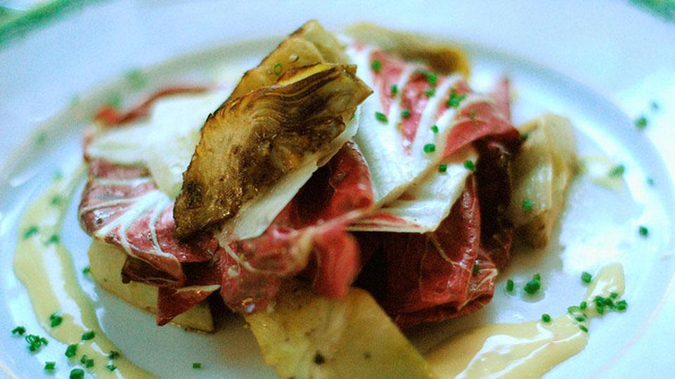 Hay muchas maneras de preparar las alcachofas: hervidas, asadas o salteadas
