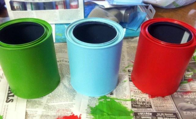 botes pintados con colores diferentes