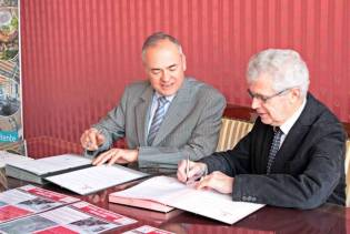 Signature de la seconde convention