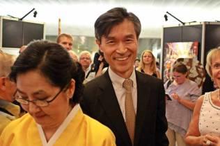 l'ambassadeur de la République de Corée en France, Mo Chul Min