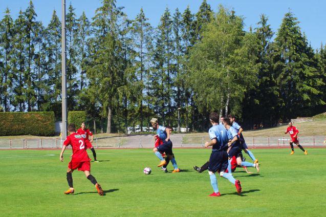 Les joueurs du BCV en maillot bleu.