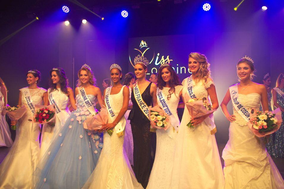 La nouvelle Miss Lorraine et ses dauphines, au côté de Miss France.