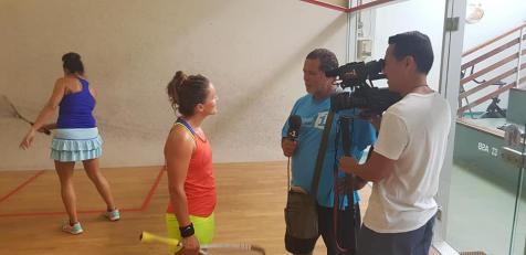Diane Lesoeur interviewé la la télé polynésienne.