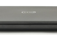 Dell Inspiron 5551 side3