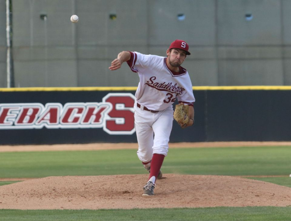 Gauchos starting pitcher John Sheaks throws a pitch in Friday's contest. Sheaks only went 3.1 innings and allowed five earned runs. (Nick Nenad/Lariat)