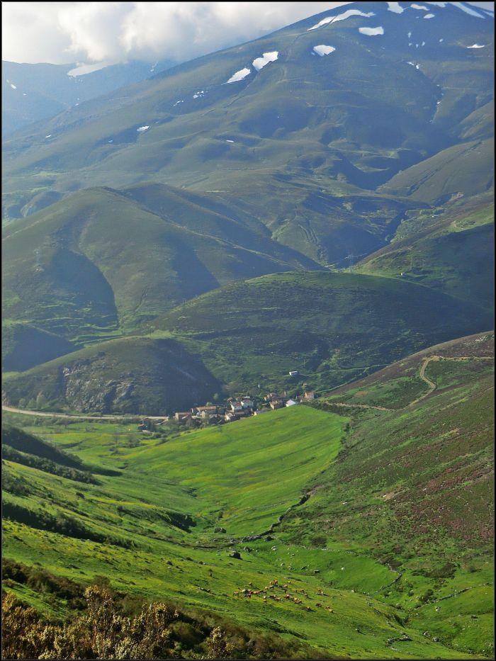 Busdongo bajo las mágicas montañas del Cellón