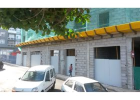 New build apartments right by Las Canteras beach