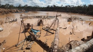 """Minería ilegal en """"La Pampa"""", Madre de Dios. Foto: Andina"""