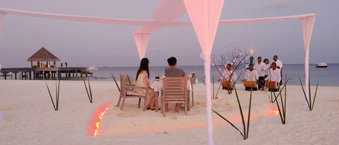 Valentine's Day on the beach with Outrigger