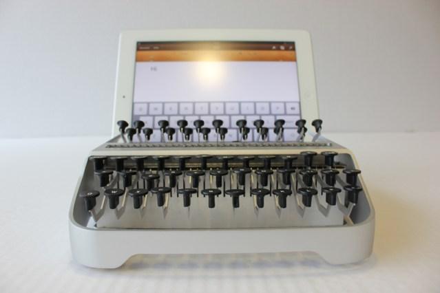 iTypewriter mechanical typewriter for iPad