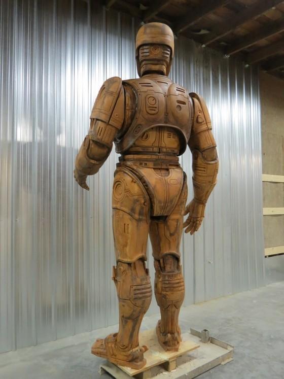 Detroit RoboCop statue