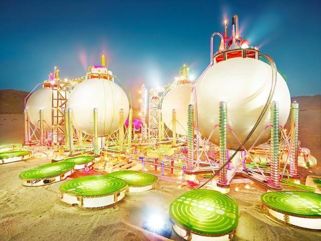 Scale models of Gas Stations and Refineries