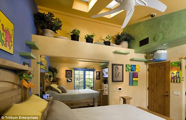 Kitty Paradise Bedroom