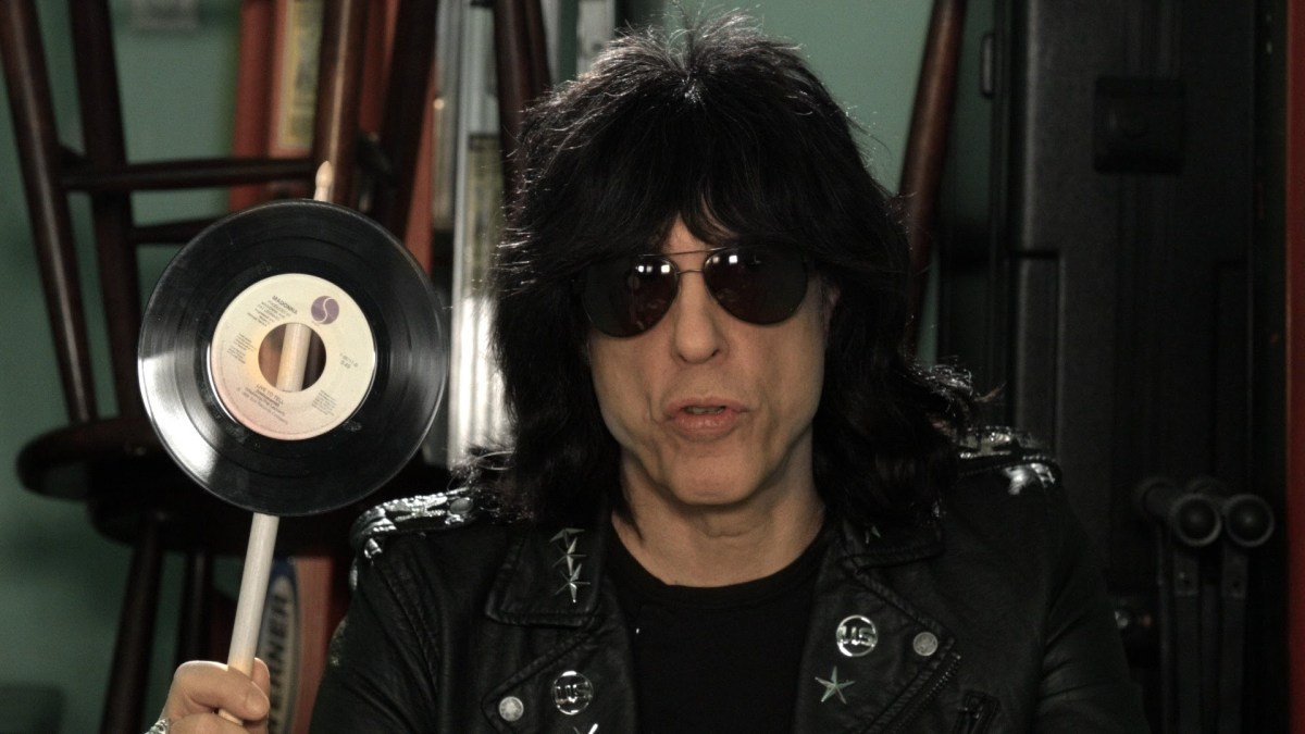 Marky Ramone Introduces the Smartphone Swatter, A Device to Swat Phones Out of the Hands of Obnoxious Concertgoers
