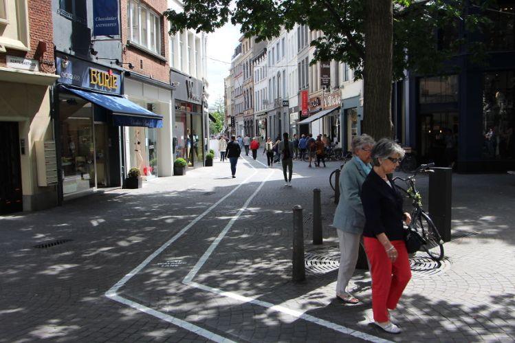Text Walking Lane 5