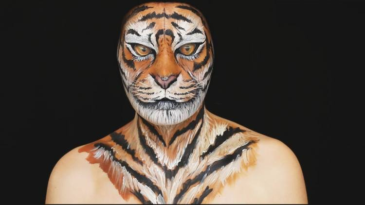 ... Demonstrate... Realistic Tiger Makeup