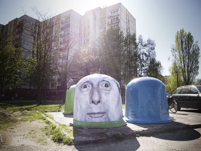 Humorous photographic street art by Mentalgassi
