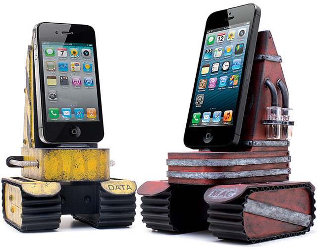 iPhone Tank Charger
