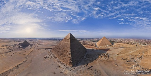 Panoramic Aerial Tour of Pyramids of Giza by AirPano