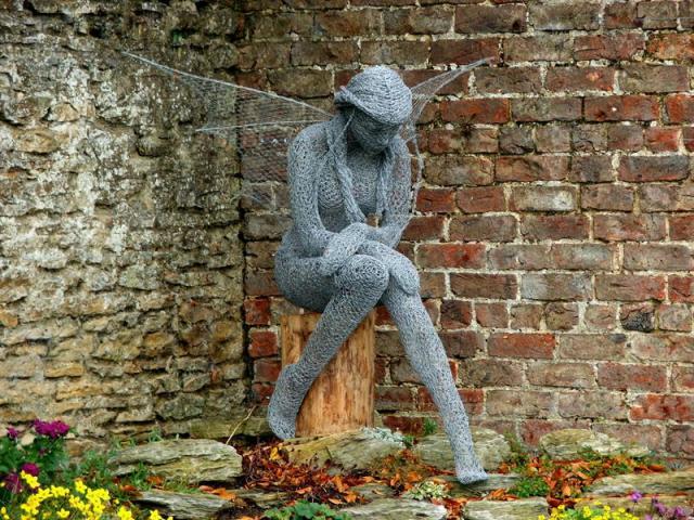 Wire mesh sculptures by Derek Kinzett