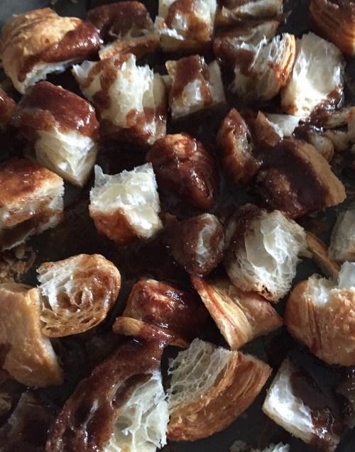 Sweetly Spiced   Cinnamon-Sugar and Garam Masala Dessert Croutons / LAURENARIZA.COM