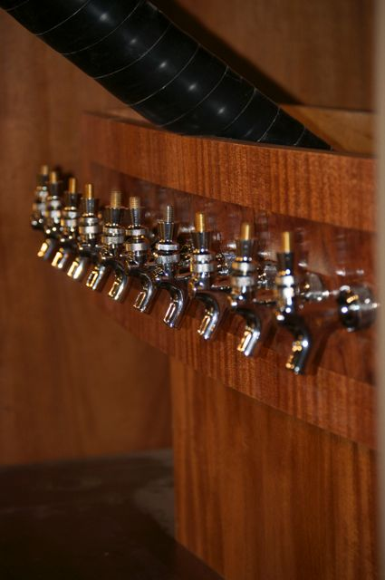 Tap tower with taps
