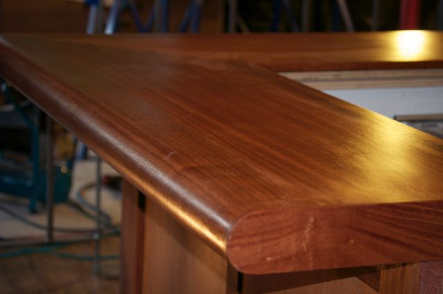 Bar top, from service edge