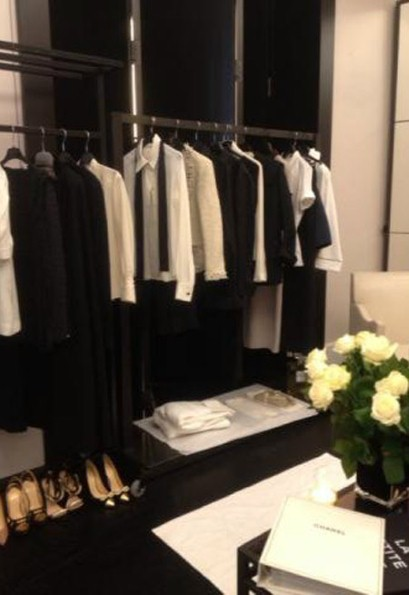 victoria beckham tweets photos from inside chanel 39 s paris hq ldnfashion. Black Bedroom Furniture Sets. Home Design Ideas