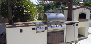 10' Outdoor Kitchen w/ Pizza Oven